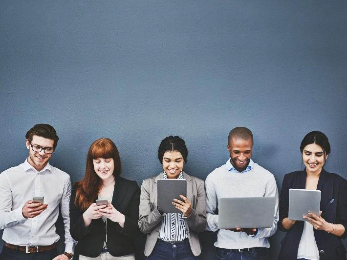 Millennials son el 'virus' que no para de contagiar sus hábitos de consumo