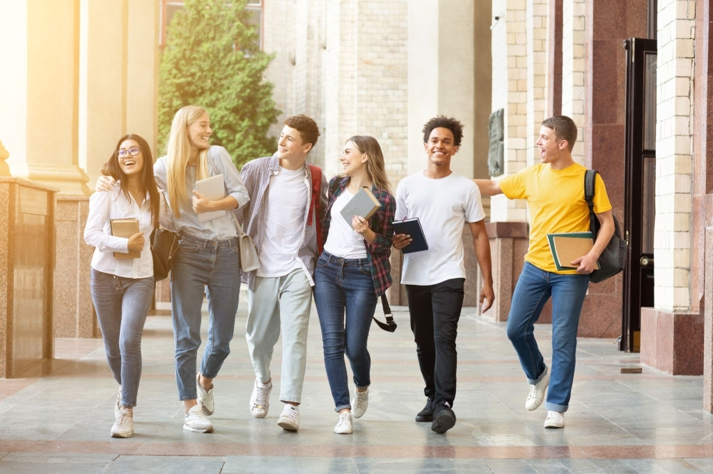 Estudiantes de marketing de universidades peruanas
