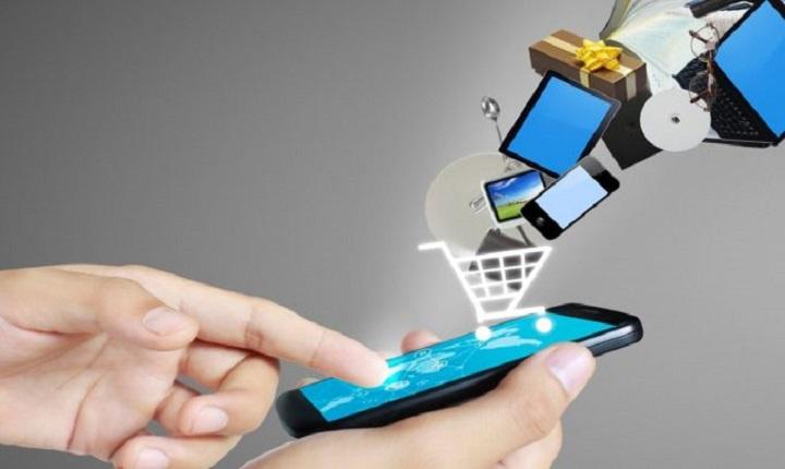 Todas las ventajas de estudiar una especialización en ecommerce en un dispositivo