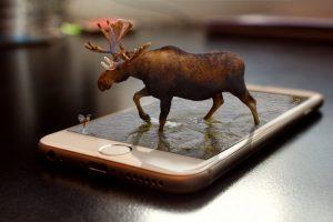 smartphone con publicidad con realidad aumentada