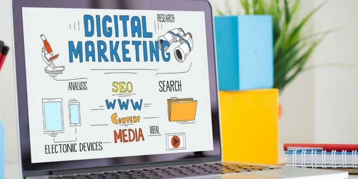 pantalla sobre cursos gratuitos de marketing digital con certificacion